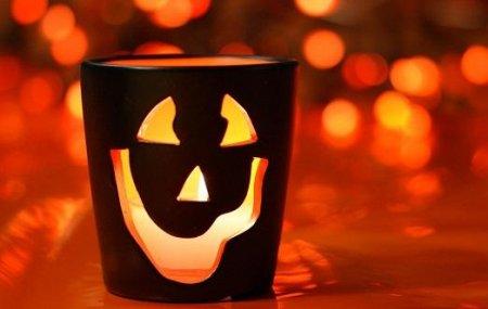 Филми на ужасите, които трябва да погледнете на Хелоуин (15 филми)