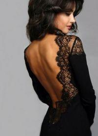 Черна рокля с дантела