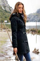 Дамски демисезонная яке с качулка