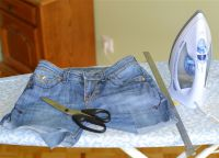 Как да се направи модерен скъсани дънки?