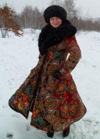 Палта от павлопосадских шалове